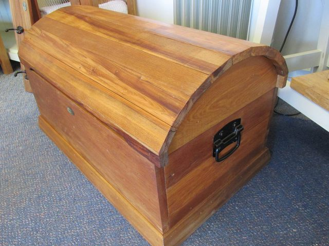Rimu Treasure Chest/Toy Box - Clearance Items - VillaWood ...